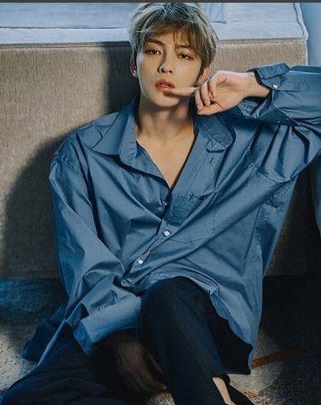 青いパジャマを着たジェジュンのかっこいい画像
