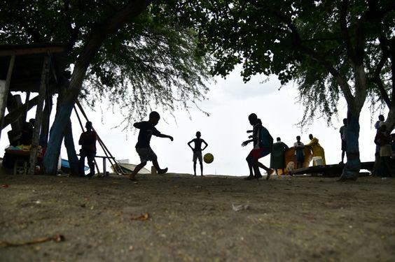 Inconscients ou démunis les Haïtiens n'évacuent pas avant l'ouragan Matthew - TV5MONDE Info