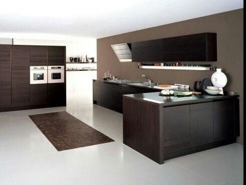 Modern Wood Kitchen - Cucina Moderna in legno wenge.