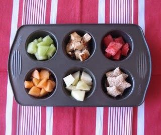 Honeydew melon, grilled organic chicken, watermelon, star-shaped whole wheat bread, organic pears and cantaloupe.