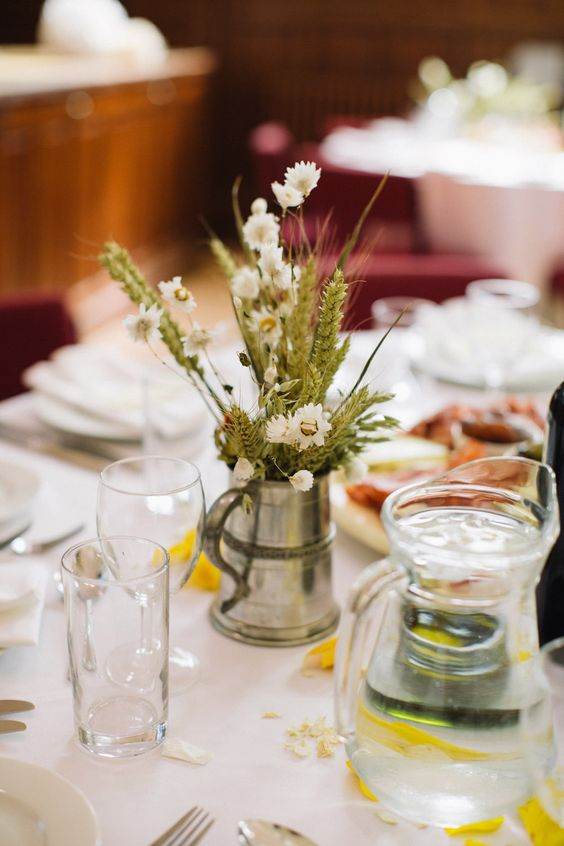 Organic and Natural Scottish Wedding: Rachel  Steven