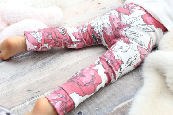 These are the most adorable leggings! 100% organic cotton knit! You can choose between a regular tight fit legging (pictured) or a loose fit sweatpant style for your boy pictured here: http://s1304.photobucket.com/user/sugarplumlanebabyboutique/media/Loose Fit/il_570xN-1503986291_2xsn_zps0e4f7d5d.jpg.html