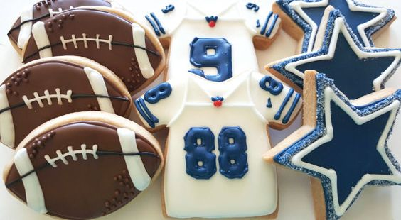 Hey There!  This listing is for 1 dozen (12) of the coolest Dallas Cowboys Football Shortbread Cookies!  **Cookies are customizable. Any Team. Any