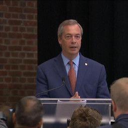 """04-07-2016, De Morgen - Nigel Farage van de eurokritische Britse UKIP-partij, neemt ontslag als partijvoorzitter. Farage was het grote boegbeeld van de pro-brexitcampagne.""""Ik…"""