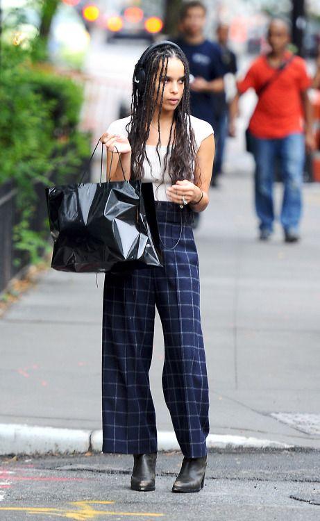 fy-zoeisabella: Zoë Kravitz out in New York City on September 10, 2015.