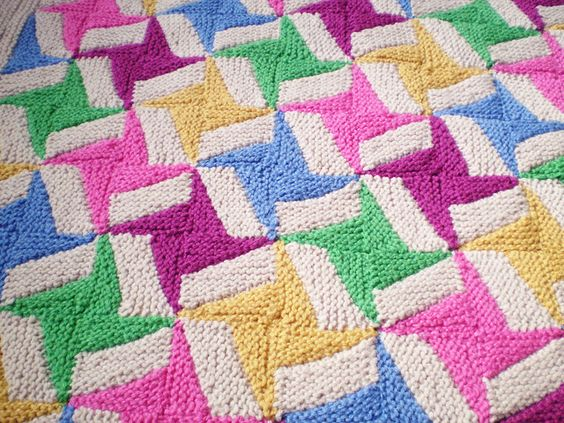 Double Knitting Blanket Pattern : Double Spinning Star - This pattern is available as a free ...