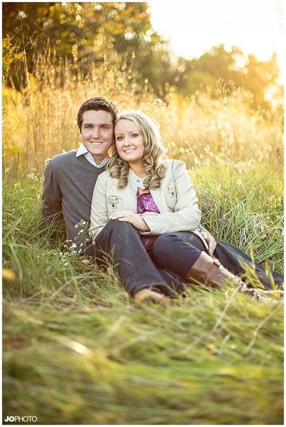 Fall engagement pictures - click to view more!