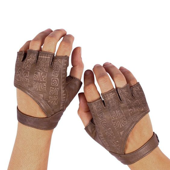Leather Fingerless Gloves. Want so badly, but too expensive for now :(