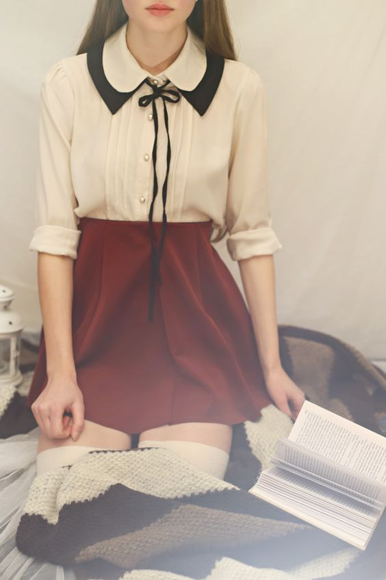 .love this blouse...I couldn't pull of that skirt with my muffin top though lol: