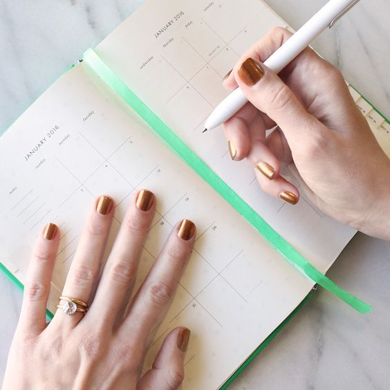 Bookmark this color calendar for a go-to mani color each month this year