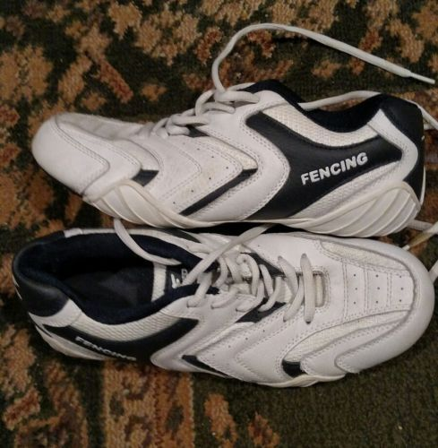 @fencinguniverse : absolute fencing fencing shoes size 8  $20.00 (0 Bids) End Date: Wednesday Mar-22-2017 10: http://bit.ly/2mEhIck http://bit.ly/2mbzBDe