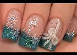 Christmas nails, or take away the snowflakes and use your fav color for some adorable nails! Healthy products cheaper with iHerb coupon OWI469 http://youtu.be/vXCPDEkO9g4 #nails