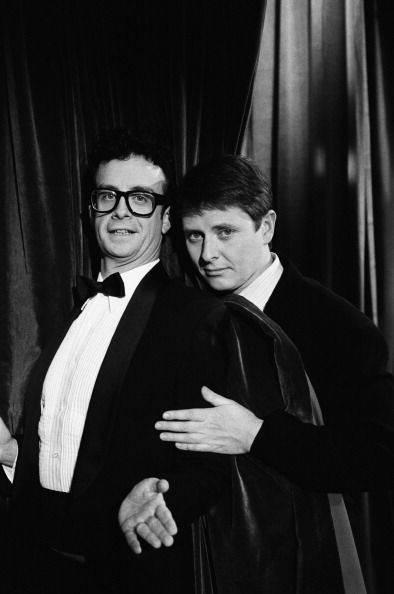 Kevin McDonald (as The Great Thowdini) and Dave Foley on the set of NewsRadio 1997