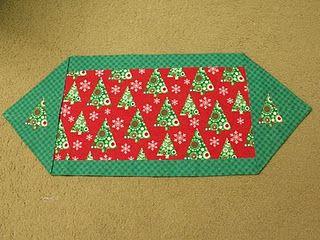 Ten minute table runner sewing christmas pinterest for 10 minute table runner instructions