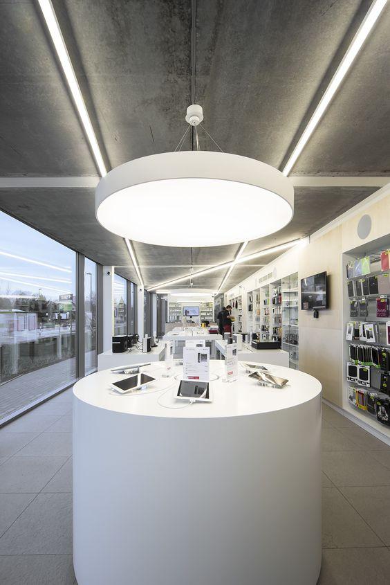SWITCH Apple store St-Martens-Latem #DARK CANDYBAR's white concept #Apple  #Switch | Line | Pinterest