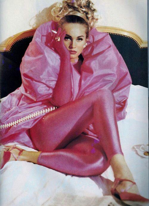 """""""Rose Shocking"""", ELLE France, December 1990 Beri Smither by Pamela Hanson"""