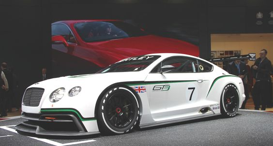 Live Mondial Auto Paris 2012 : Bentley Continental GT3