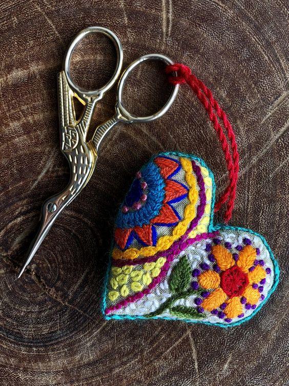Cómo hacer un corazón de tela – Gineceo