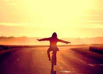 O destino nada me perguntou em colocar você na minha vida, mas caso você encontre com ele, agradeça-o em meu nome.