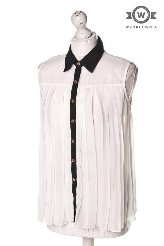 >> Plisowana #bluzka ecru z czarnym wykończeniem #Wzorcownia online   #Atmosphere