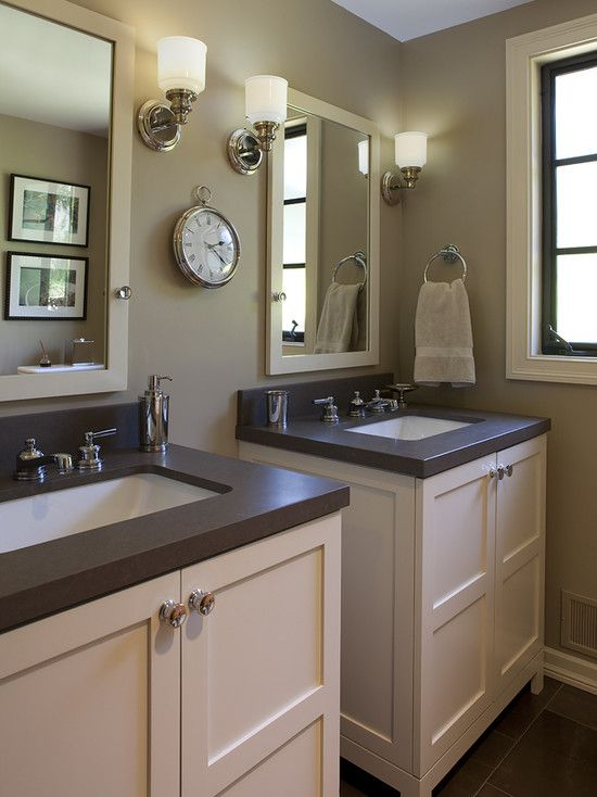Another man's bathroom done in warm browns/taupe. Mmmm...