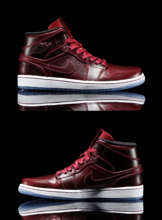 Air Jordan 1 Mid Nouveau – Team Red / Black-White