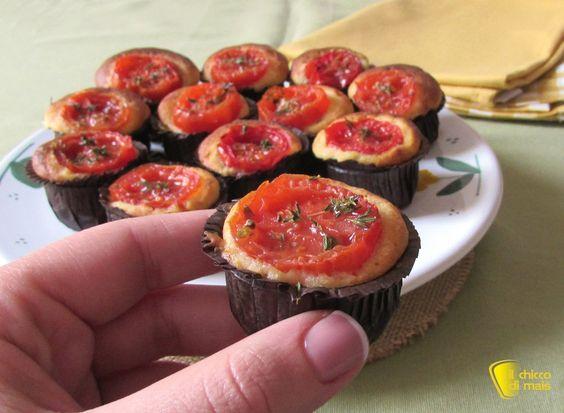 Mini muffin salati ai pomodorini (ricetta buffet). Ricetta facile, veloce ed economica per buffet, rinfresco, festa di compleanno (anche senza glutine)