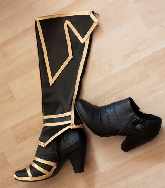 cosplay boot tutorial [http://www.kamuicosplay.com/2011/08/its-magic.html] It's…