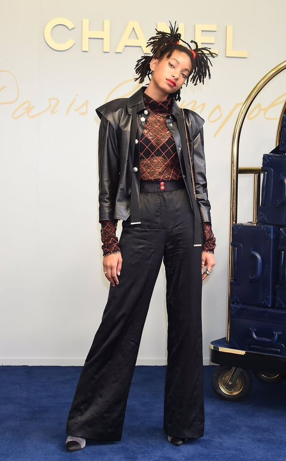 models daily‏ @supermodeldaiIy May 31 More Willow Smith attends the Chanel Métiers d'Art show in Tokyo.
