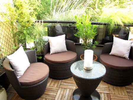 Exotic style small patio really cute for an apartment for Cute apartment balcony ideas