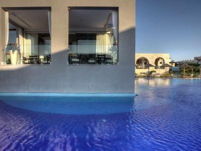 M+ Pools - Design and Wellness  #mosaicopiu #greece #rhodes #pool #swimmingpool #piscina #aegean #sea #water #summer #holiday #mediterranean #mosaic