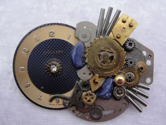 Recycling ! Brosche aus alten Uhrenteilen von Recycling-Art auf DaWanda.com