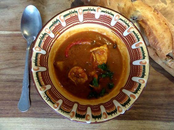 Curry Fischsuppe mit argentinischen Rotgarnelen und Steinbeisser