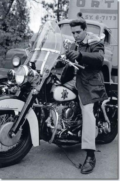 Elvis on a Police Motorcycle - Kid Galahad Set