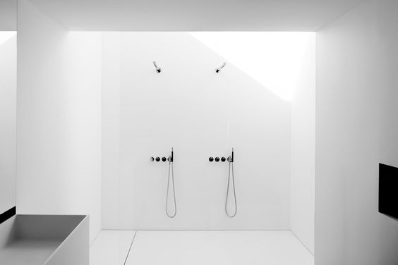 Bathroom by Pascal François. Photo by Cafeïne - Thomas De Bruyne.