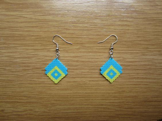 Pendientes semirombo azul y amarillo hama beads by Ursula