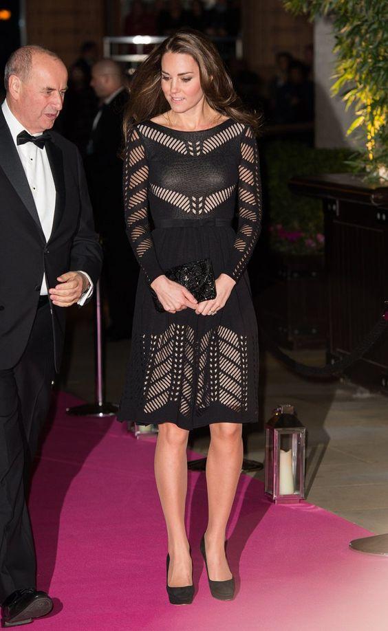 Pin for Later: Kate Middleton hat sich in diesem Jahr selbst übertroffen  Sie überraschte uns in einem Kleid von Temperley London.