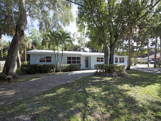 Good Location 836 Royal Palm Blvd Vero Beach Fl 32960 Mls 204809 Zillow Foreclosed Homes Florida Home Types Of Houses