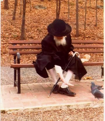 "רבקה | bennistar: The previous Bobover Rebbe zt""l..I love this picture.."