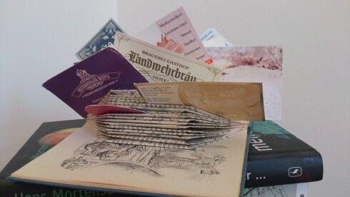 Visitkortholder, folding old book