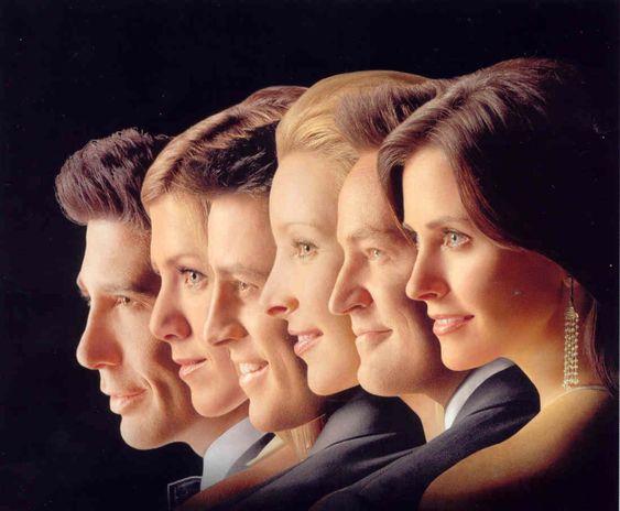 Coutney Cox : Monica - Matthew Perry : Chandler - Lisa Kudrow : Phoebe - Matt LeBlanc : Joey - Jennifer Aniston : Rachel - David Schwimmer : Ross … F.R.I.E.N.D.S