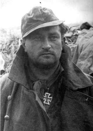 "✠ Karl Ullrich (1 December 1910 – 8 May 1996) RK 19.02.1942 SS-Sturmbannführer Kdr Pi.Btl SS-""Totenkopf""-Div [und Fhr einer Kgr] + [480. EL] 14.05.1944 SS-Obersturmbannführer Kdr SS-Pz.Gren.Rgt 6 ""Theodor Eicke"