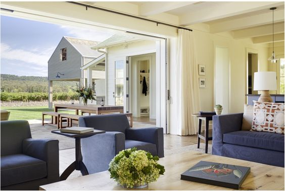 i love the open living space to the outdoor dining (wade design architects)