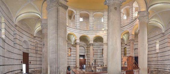 Battistero di San Giovanni, XII secolo, Pisa  Il battistero è un edificio del XII secolo, costruito di fronte alla Cattedrale ed in asse con la facciata di questa. Con i suoi 107,24 metri di diametro è il battistero più grande d'Italia. Storicamente nell'area del Camposanto si trovava un Battistero di dimensioni inferiori, a cui si volle sostituire questa costruzione in stile romanico, opera dell..