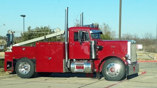 Peterbilt with holmes 750 and a drag winch tow trucks peterbilt with holmes 750 and a drag winch tow trucks recovery pinterest peterbilt tow truck and biggest truck sciox Image collections