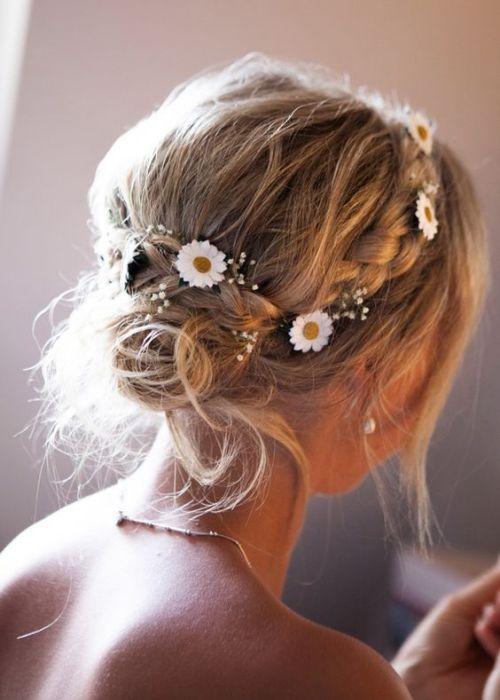 Coiffure Mariage Cheveux Mi Longs Petites Fleurs Et Des