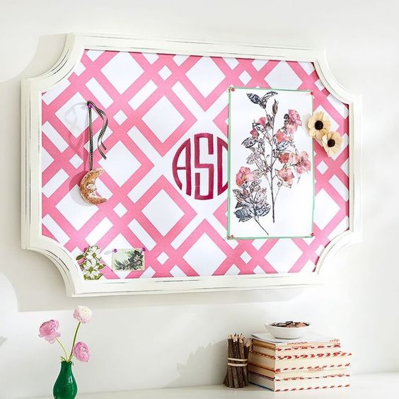 PB Teen Scallop Framed Monogram Pinboard, Bright Pink Ribbon Geo,... (79.555 CLP) ❤ liked on Polyvore featuring home, home decor, wall art, personalized wall art, hot pink wall art, quote wall art, word wall art and vertical wall art