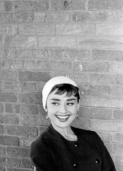Imagen de Audrey Hepburn con flequillo baby bang