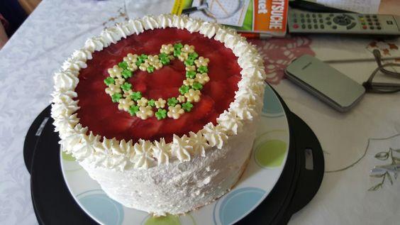 Erdbeer-Topfen Torte #erdbeeren#geburtstag#herz