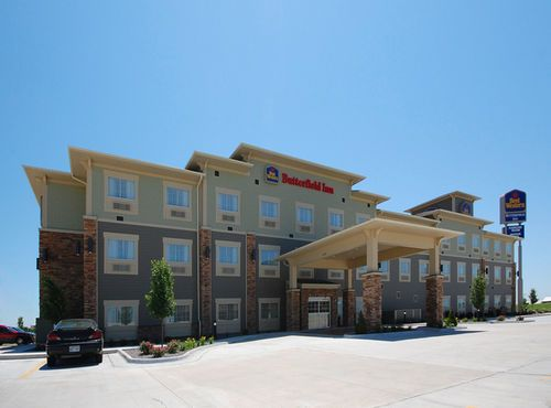 Holiday Inn Express Hotel Suites Hays Ks Place To Stay Pinterest